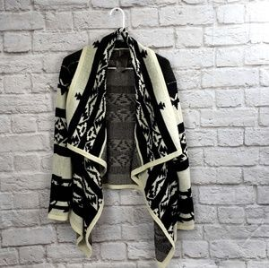 Moon Collection Tribal Aztec White & Ivory Sweater